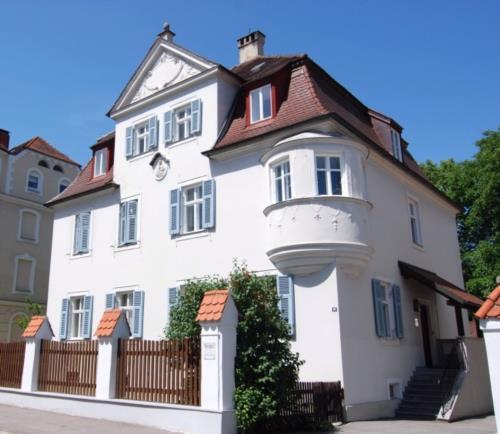 Immobilienservice Holzmann & Sedlmayer - Bild 1