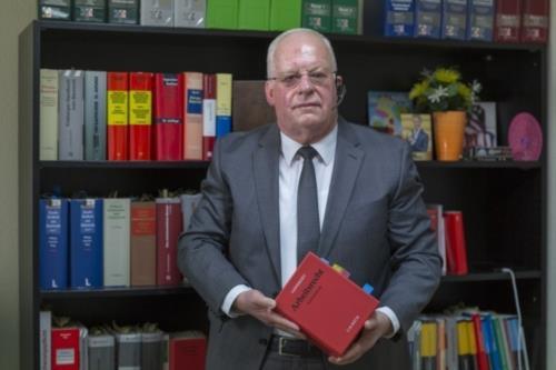 Reinhard Wolf Rechtsanwalt - Bild 1