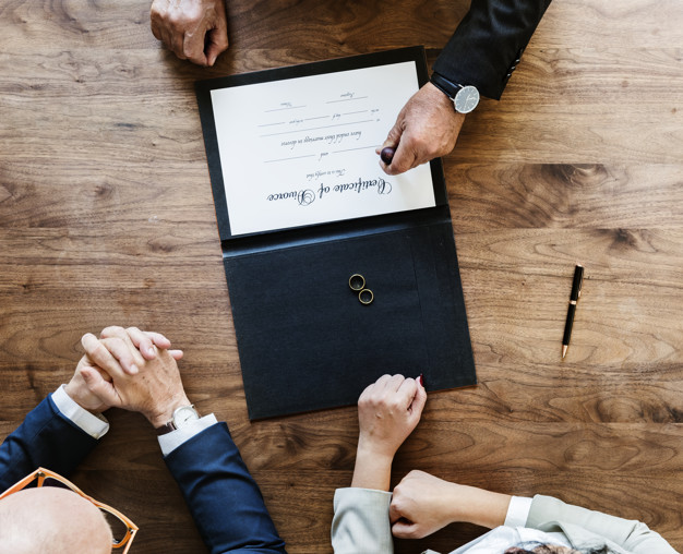 Einvernehmliche Scheidung: Zeit, Geld & Nerven sparen - BERATUNG.DE