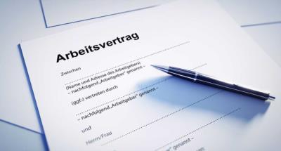 Arbeitsvertrag – wie Arbeitsverhältnisse geregelt sind - BERATUNG.DE