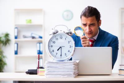Arbeitszeitbetrug: Definition, Nachweis und Konsequenzen  - BERATUNG.DE