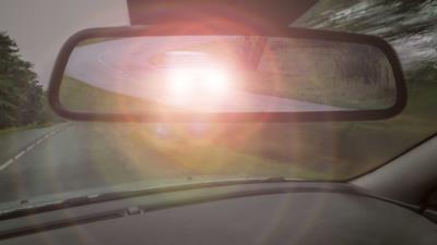 Nötigung im Straßenverkehr: Tatbestand und Strafen - BERATUNG.DE