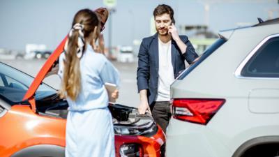 Autounfall – Wie sollte man sich verhalten? - BERATUNG.DE