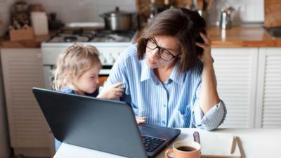 Elternzeit: Abfindungszahlung bei Kündigung - BERATUNG.DE