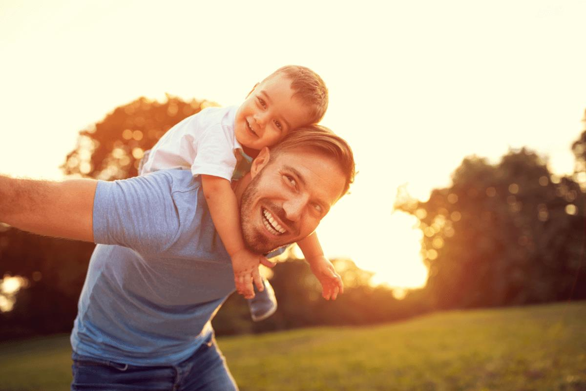 AltText: Auch Vater hat Umgangsrecht mit Kind