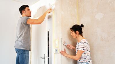 Schönheitsreparaturen – Muss man bei Auszug die Wand streichen?  - BERATUNG.DE