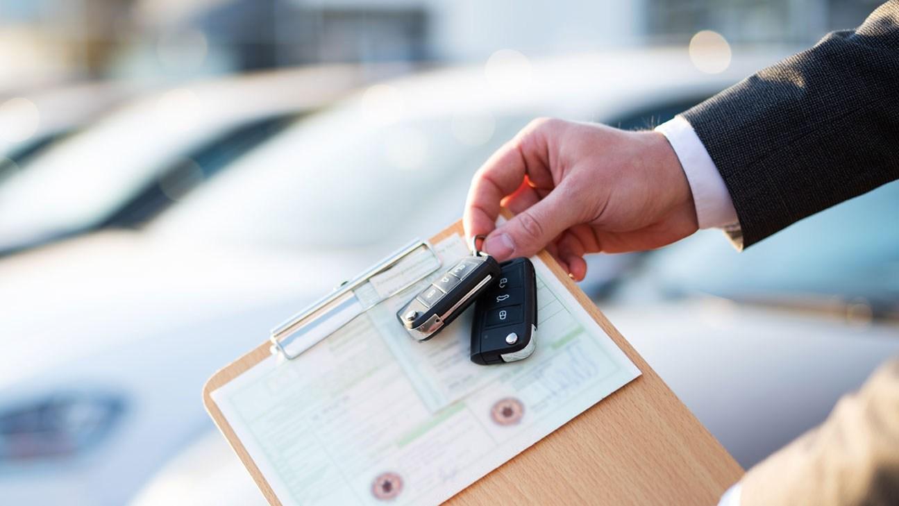 AltText: Zulassung eines Neuwagens nach dem Autokauf