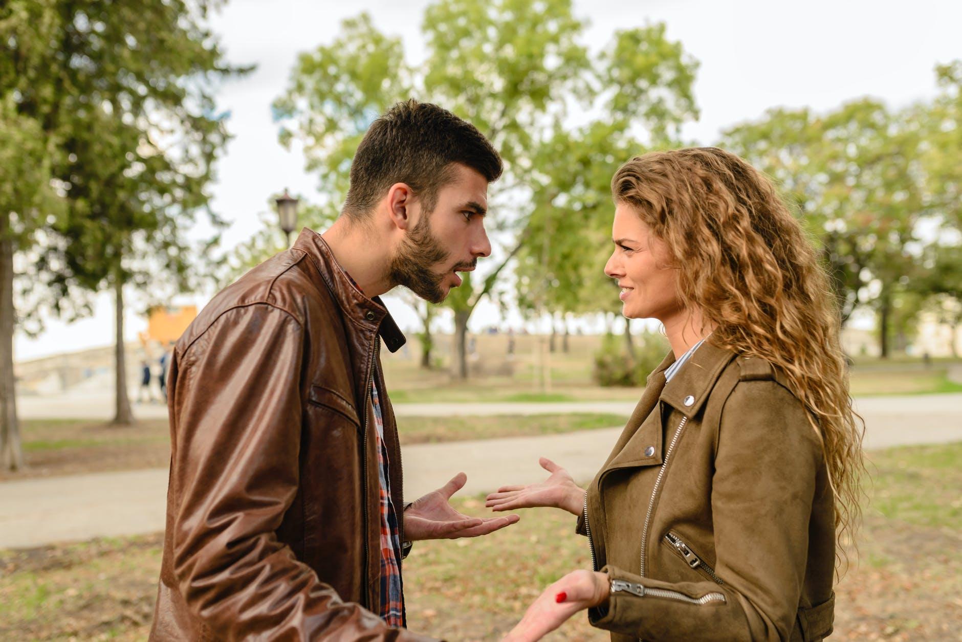 Streitige Scheidung: Wenn sich die Ehepartner nicht einig werden - BERATUNG.DE