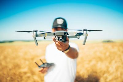 Drohnen – wo darf geflogen werden, wo gilt Flugverbot? - BERATUNG.DE
