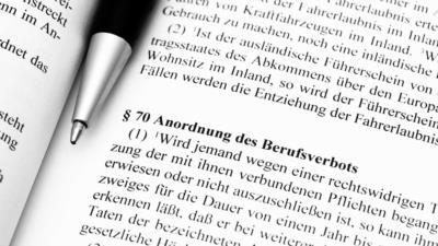 Berufsverbot und Beschäftigungsverbot – was bedeuten die Verbote für Arbeitnehmer? - BERATUNG.DE