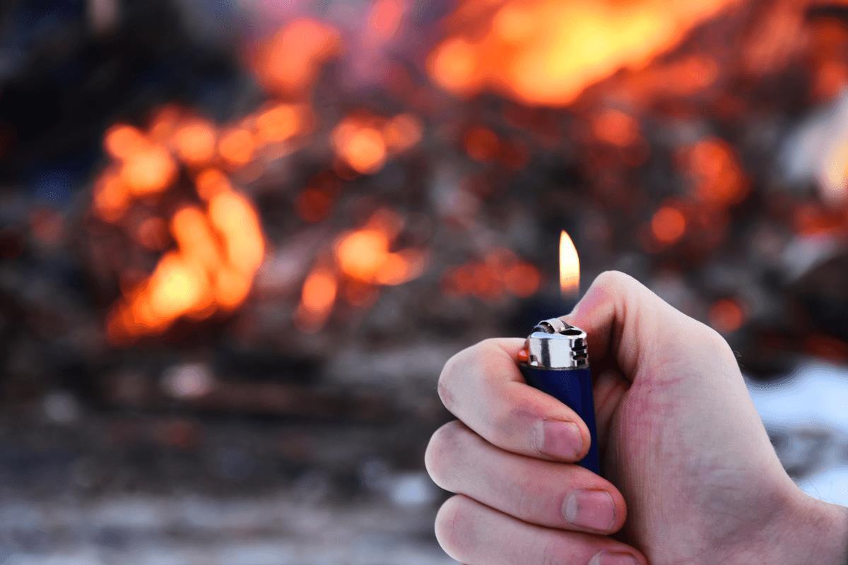 Brandstiftung § 306 StGB – Welche Details gibt es und welche Folgen drohen? - BERATUNG.DE