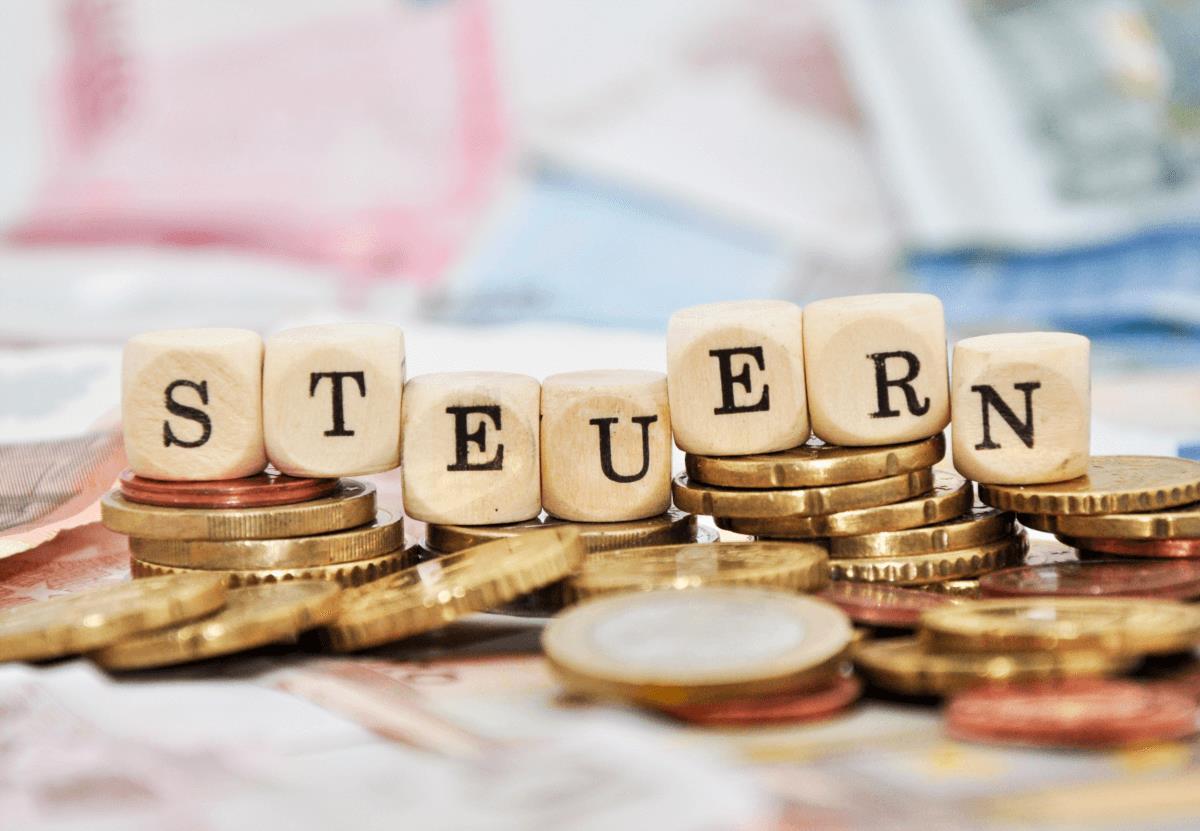 Lohnsteuerklassen – das Wichtigste auf einen Blick - BERATUNG.DE