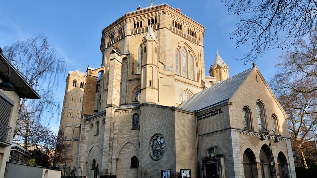 AltText: Die St. Gereon Kirche in Köln.
